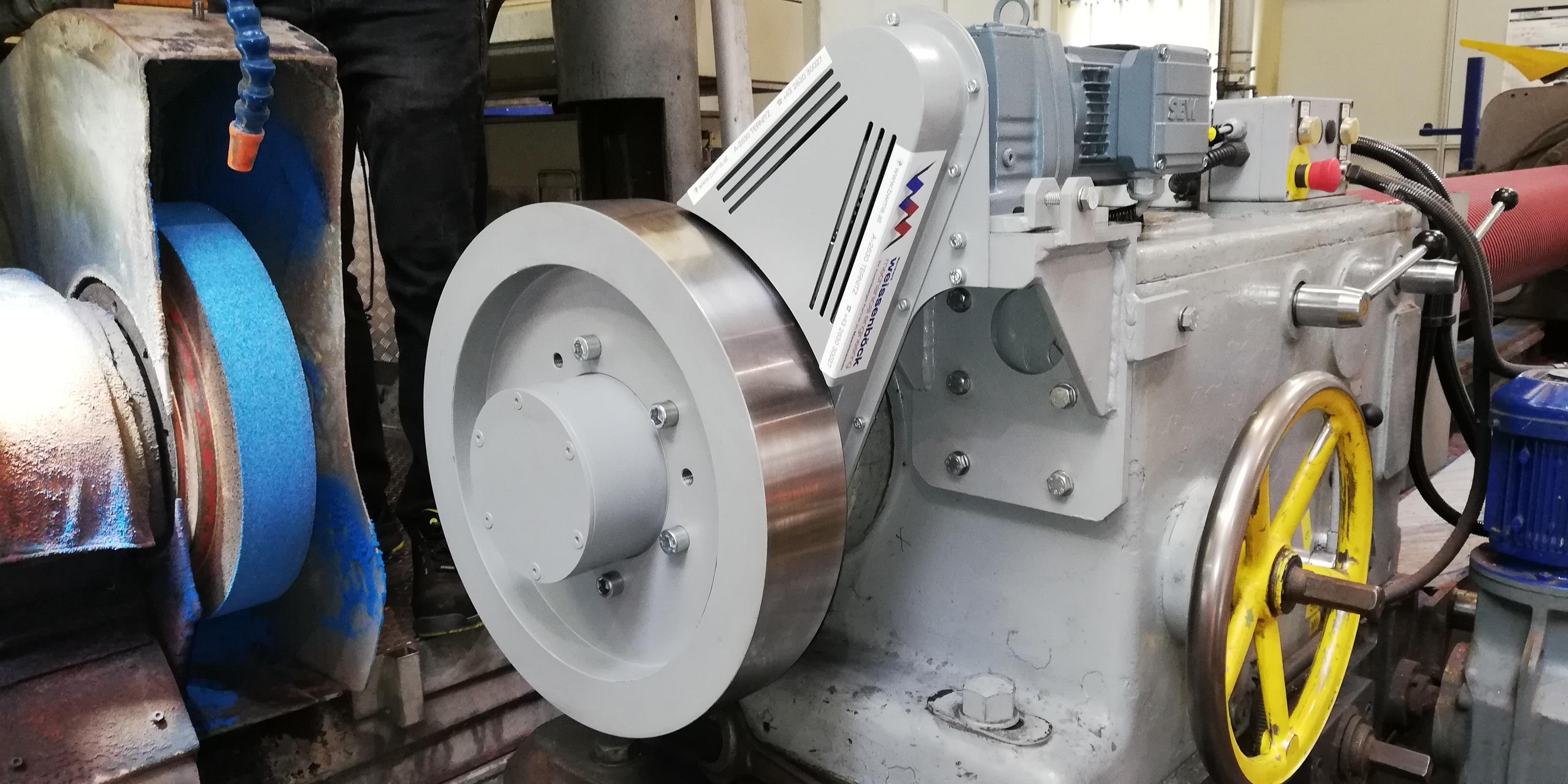 Schleifscheibenabrichter/Walzenschleifmaschine